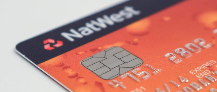 Hoe kun je een bankrekening in het buitenland openen?